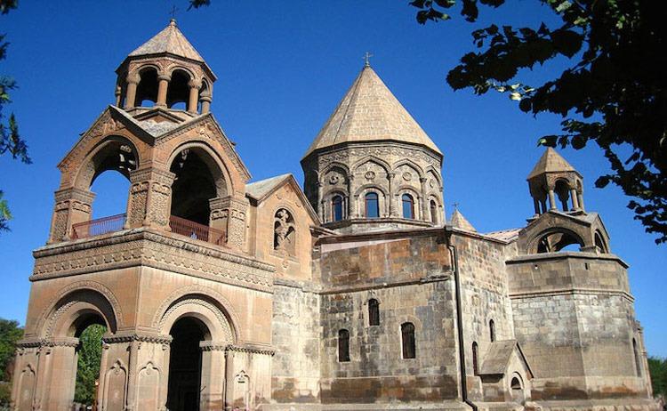 کلیسای مرکزی اچمیادزین