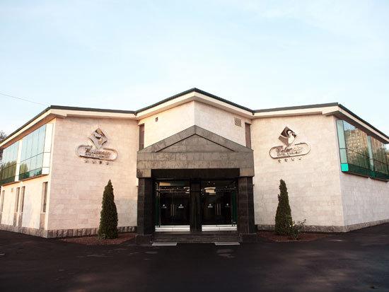 هتل والنسیا ارمنستان