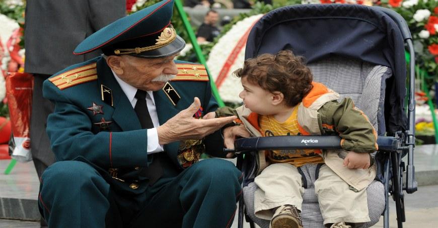 9 می روز پیروزی (جنگ جهانی دوم ) تعطیلات رسمی